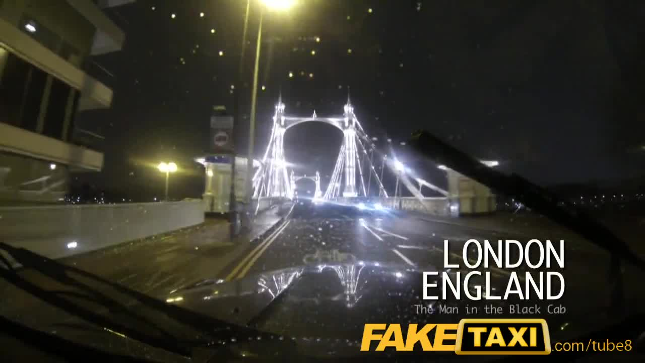 Фальшивый Таксист Страстно Трахнул Блондиночку